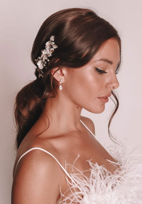 Vinka Design Bridal Accessories - Bridal headpiece - Adriana - available from Vinka Design Auckland bridal store. Simple drop earrings worn with stunning headpiece