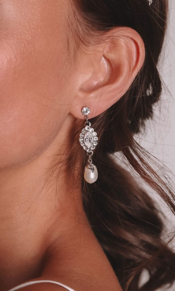 Vinka Design Bridal Accessories - Bridal earrings - Cynthia - available from Vinka Design Auckland bridal store. Pearl, drop