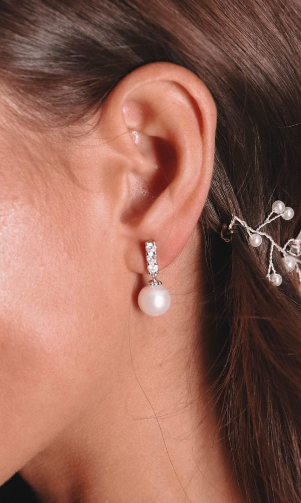 Vinka Design Bridal Accessories - Bridal Earrings - Zara - available from Vinka Design Auckland bridal store. Large pearl drop
