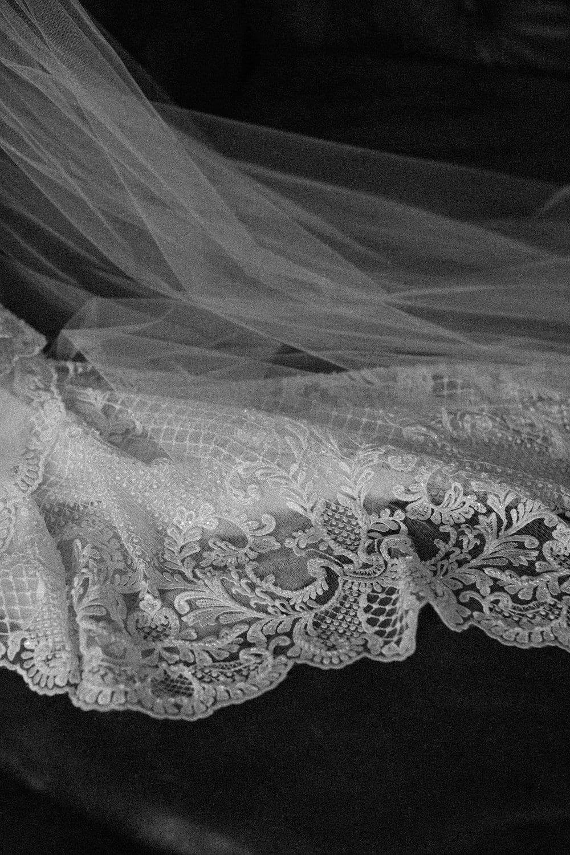 Real Weddings | Vinka Design | Real Brides Wearing Vinka Gowns | Nicole and Hayden - close up detail of veil