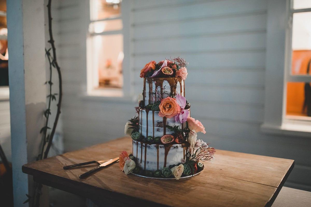 Real Weddings | Vinka Design | Real Brides Wearing Vinka Gowns | Megan and Tim wedding cake