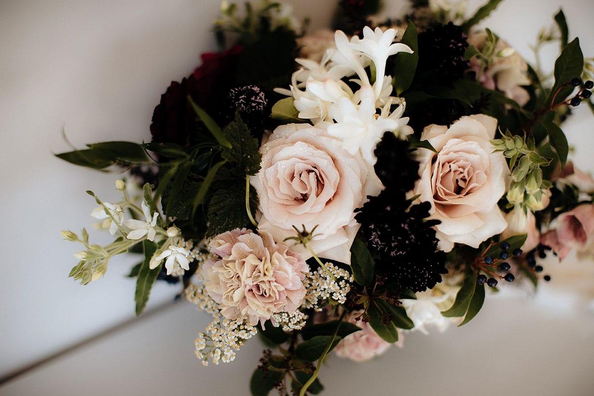 Real Weddings | Vinka Design | Real Brides Wearing Vinka Gowns | Lauren and Martyn bridal bouquet