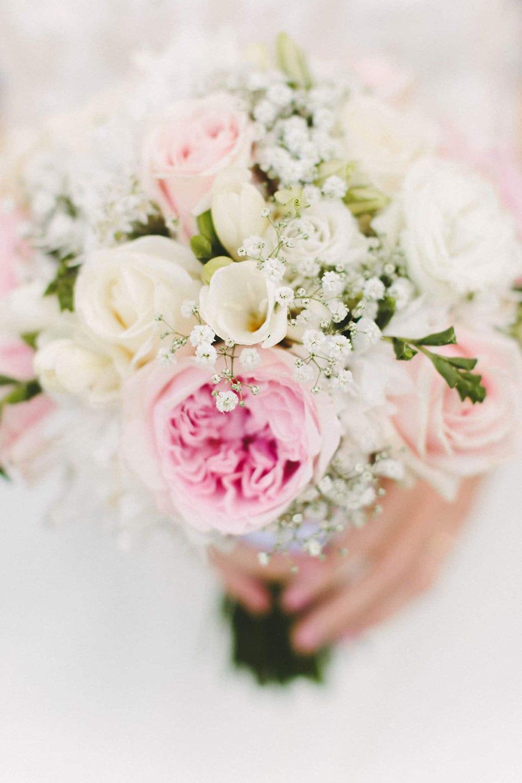 Real Weddings | Vinka Design | Real Brides Wearing Vinka Gowns | Louise and Ryan - wedding flowers