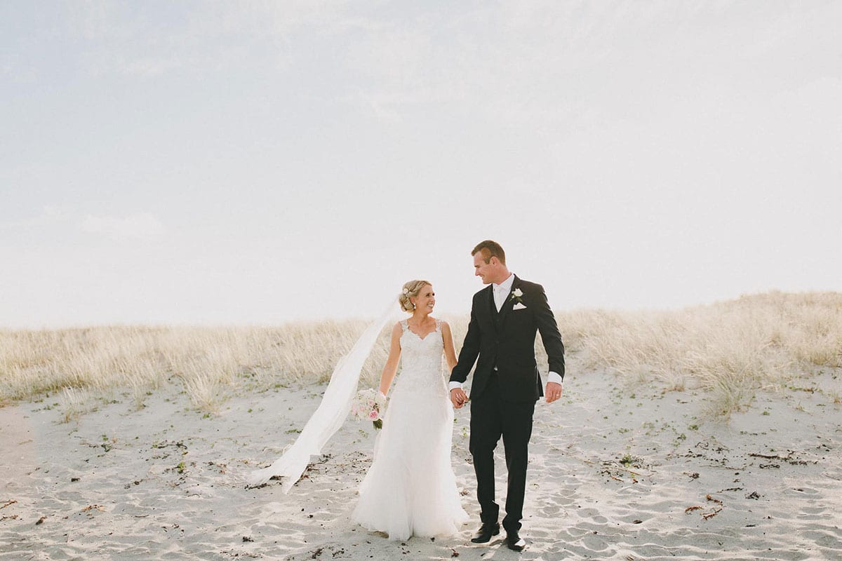 Real Weddings | Vinka Design | Real Brides Wearing Vinka Gowns | Louise and Ryan on the sand dunes
