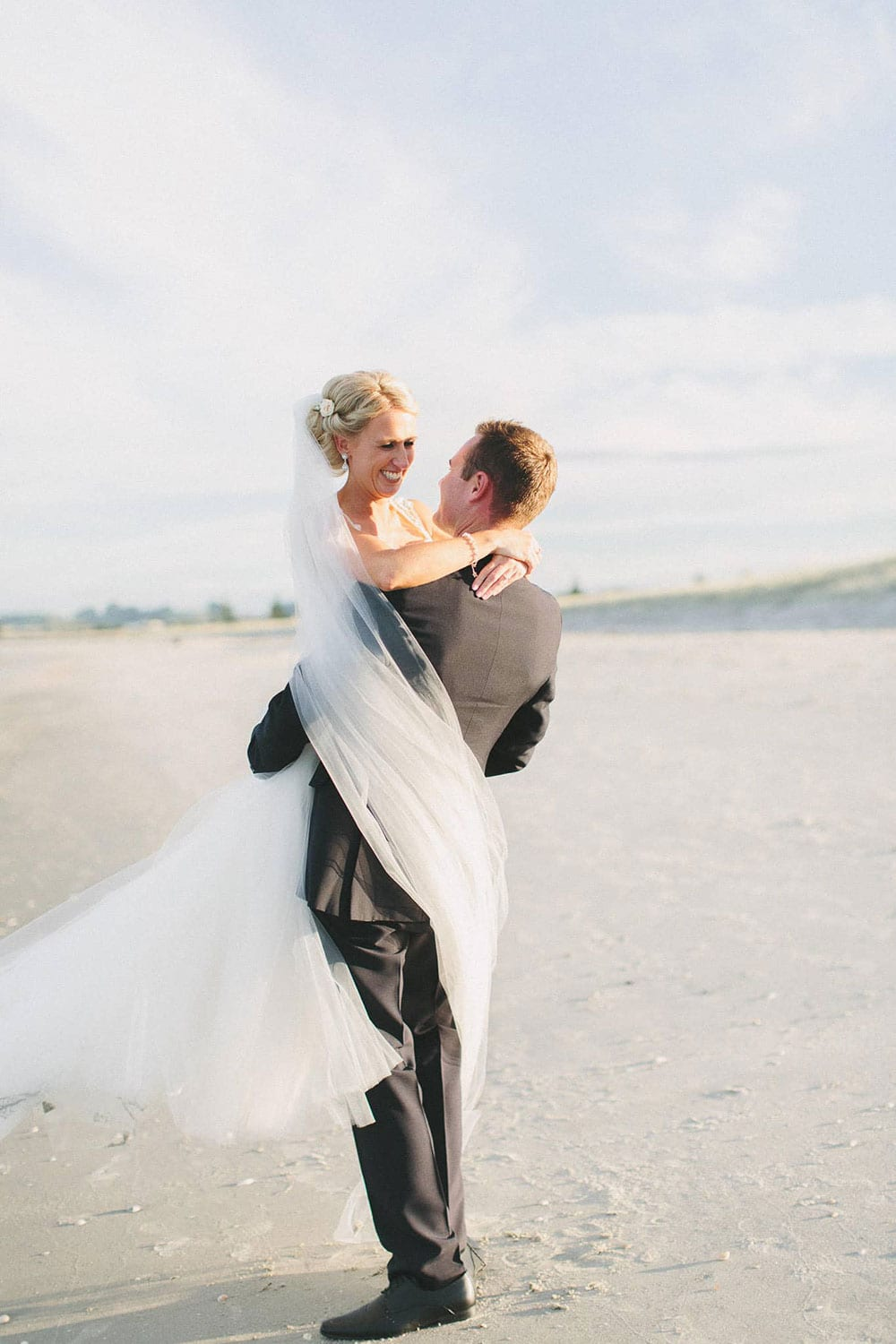 Real Weddings | Vinka Design | Real Brides Wearing Vinka Gowns | Louise and Ryan on the beach