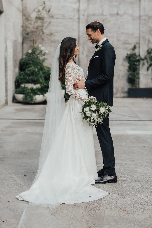 Hannah & Campbell REAL WEDDING IN A VINKA DESIGN DRESSZ