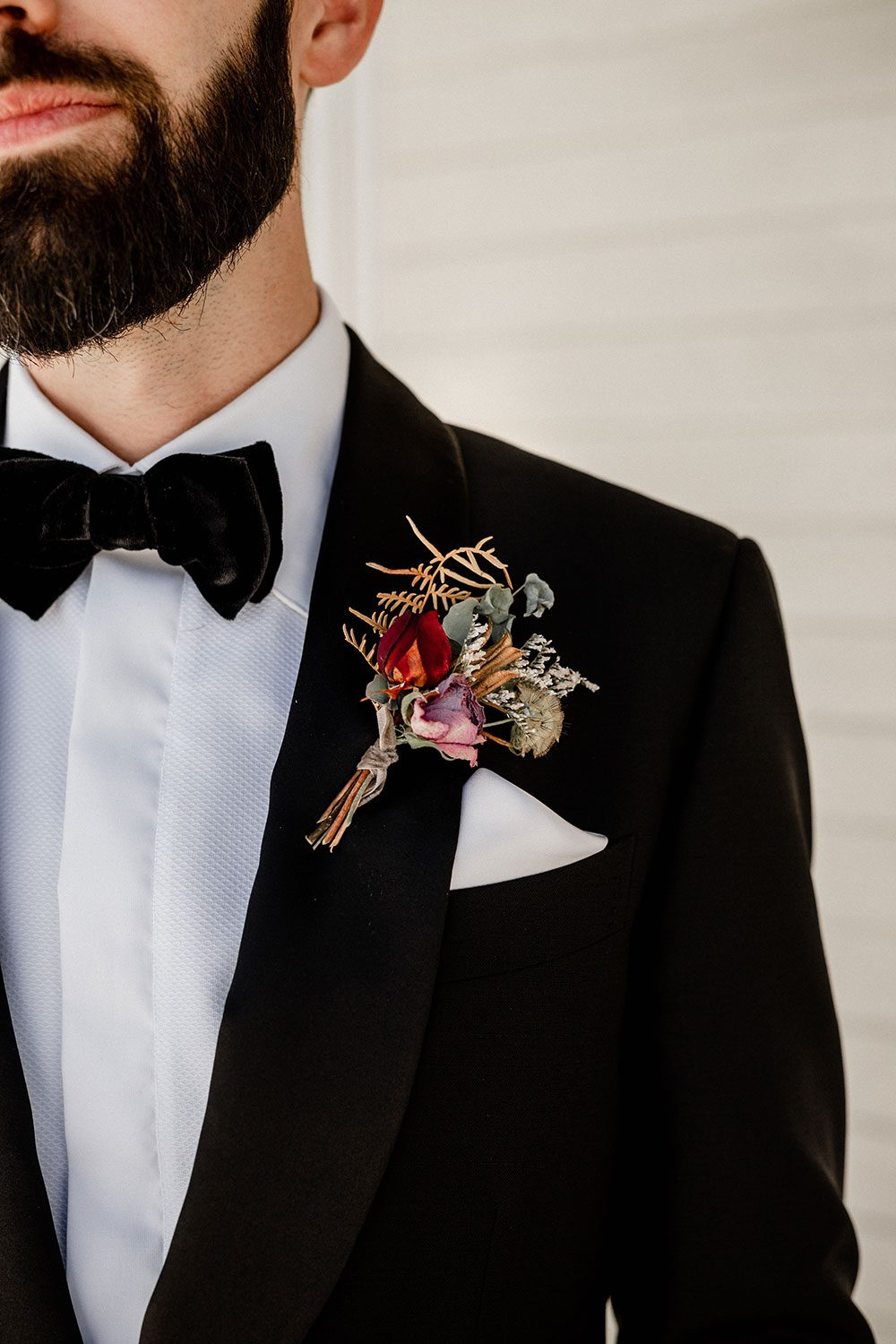 Emore and Hamish - groom corsage