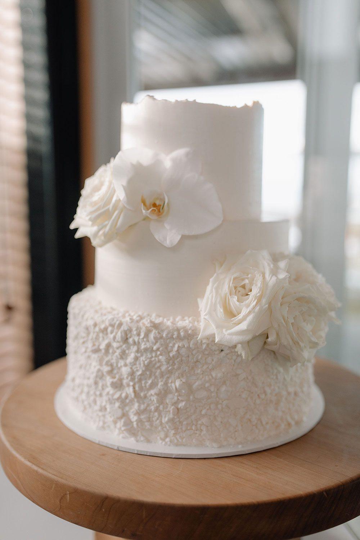 Steph and Owen - wedding cake